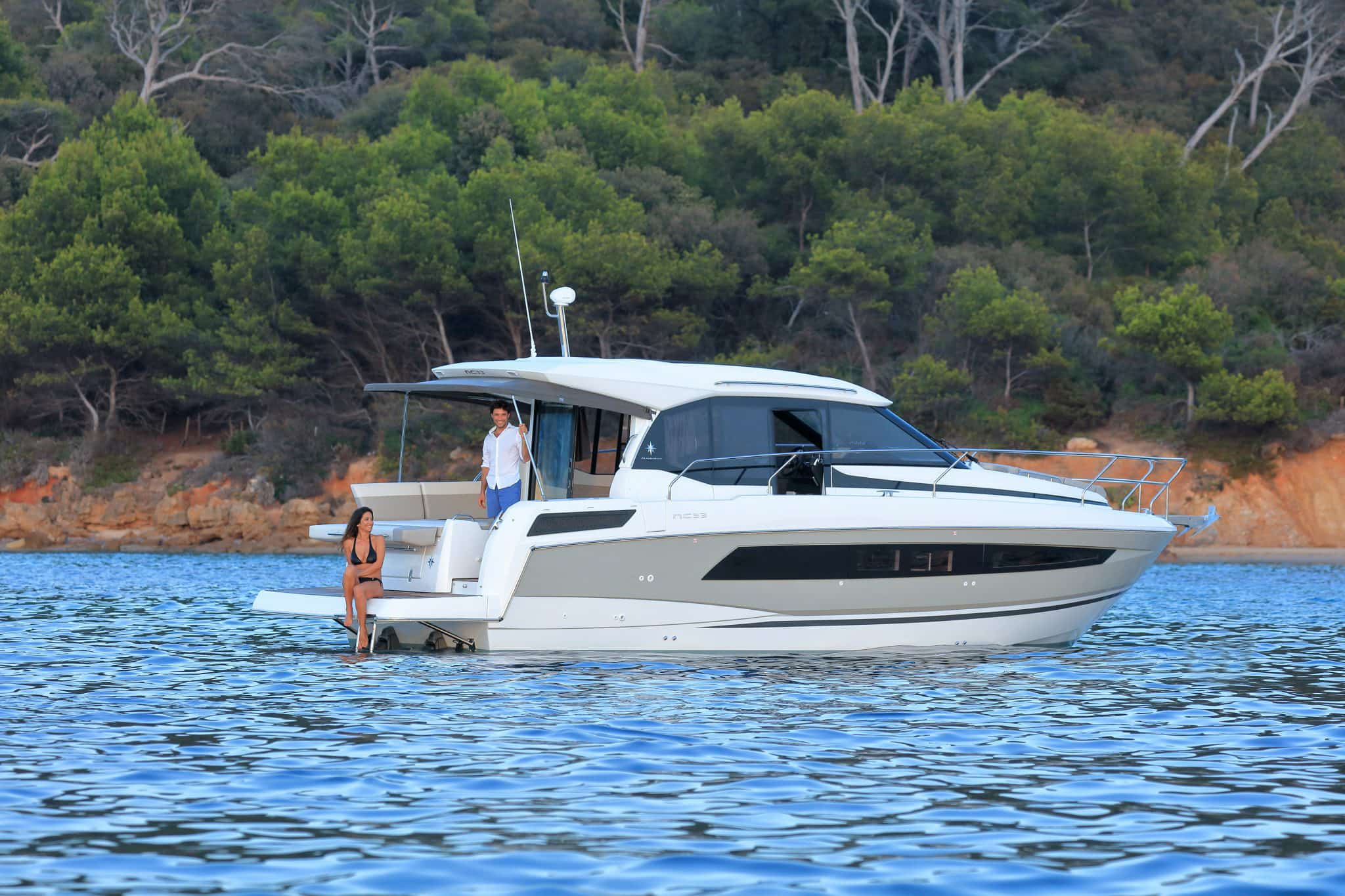 Choosing a Powerboat for Your Chesapeake Charter